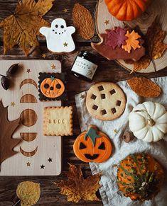 Autumn Cozy, Fall Winter, Fall Halloween, Happy Halloween, Autumn Aesthetic, Autumn Inspiration, Fall Recipes, Autumn Leaves, October
