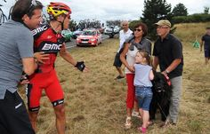 Gilbert confronts dog owner after the hound ran out & caused a crash in today's stage of the #TdF
