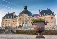Vaux Le Vicomte, French Architecture, Chateaus, France, Old Buildings, Palaces, Louvre, Gardens, Homes