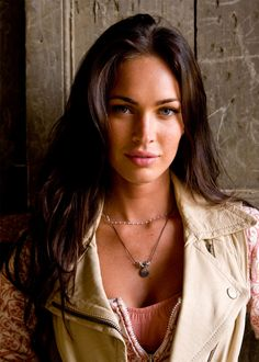 A picture collection of the actress and model Megan Fox. A picture collection of the actress and model Megan Fox. - Celebrities, Girls - Check out: Sexy Pics of Megan Fox on Barnorama Megan Fox Sexy, Megan Fox Fotos, Megan Denise Fox, Megan Fox Transformers, Beautiful Eyes, Most Beautiful Women, Megan Fox Wallpaper, Photo Wallpaper, Megan Fox Pictures