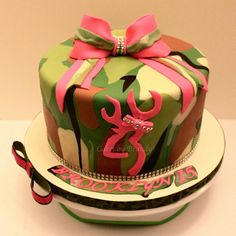 Cammo cake for girls