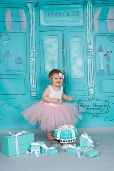 Tiffany Inspired cake smash~   Love that Tiffany Blue!