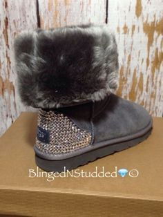 2016 new style cheap Ugg Boots Outlet,Discount cheap uggs on sale online for shop.Order the high quality ugg boots hot sale online. Ugg Winter Boots, Snow Boots, Ugg Boots, Winter Shoes, Cute Shoes, Me Too Shoes, Uggs For Cheap, Buy Cheap, Ugg Bailey Button