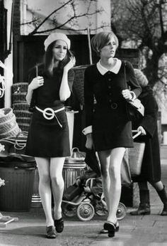 Carnaby Street, epitomising the fashion of 1968. (Photo by Roy Jones/Evening Standard/Getty Images)