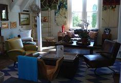 Chevron #rug makes the perfect #seating layout at #southampton #mecox #interiordesign #mecoxgardens #furniture #shopping #design #decor #home #designidea #room #vintage #antiques #garden #hamptons