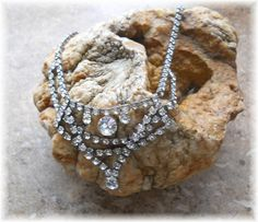 'Vintage Rhinestone Necklace' is going up for auction at 10pm Sat, Mar 16 with a starting bid of $5.