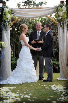 #BigDay #weddings #realweddings   Jen and Frank's Florida Sunset Wedding Check more at http://www.bigday.io/2015/12/05/jen-and-franks-florida-sunset-wedding/