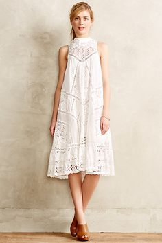gorgeous white lace dress from anthropologie