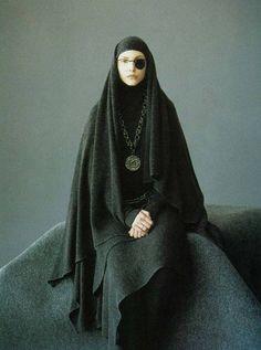 """Romance, Decadence""    Nadja Auermann by Mario Testino for Harper's Bazaar US August 1993"