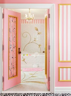 Eloise's kindred spirit, fashion designer Betsey Johnson, designed a custom storybook-themed suite on the floor of the Plaza, decorated in pink and black. Nyc Hotels, New York Hotels, The Plaza Hotel Nyc, Shop Interior Design, House Design, Eloise At The Plaza, Cosy Room, Pink Bedrooms, Chic Bathrooms