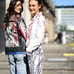Casacos de ganga em estampa . Visite o SimplesModa, um blog e revista de moda em Português.