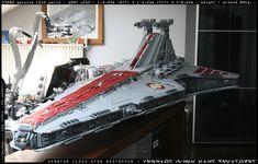 https://flic.kr/p/akWKJQ | VENATOR CLASS STAR DESTROYER | COMPLETE !...  43280 parts  82 kg  2,44m long  Replica of Erik Varszegi's VENATOR