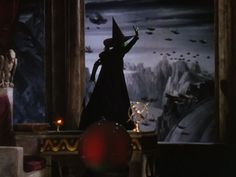 Check out all the awesome wizard of oz gifs on WiffleGif. Including all the wicked witch of the west gifs, wicked witch gifs, and margaret hamilton gifs. Gif Animé, Animated Gif, Wizard Of Oz 1939, Broadway, The Rocky Horror Picture Show, Saints, Gifs, Land Of Oz, Yellow Brick Road