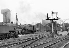 Shoeburyness Shed, 42518 & 80074 on the left, others unknown. Steam Trains Uk, Football Poses, Underground Lines, Old Train Station, Steam Railway, Railroad Photography, British Rail, Train Pictures, Steamers