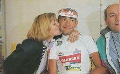 Un bacio da sua madre (durante il Giro 1994)...