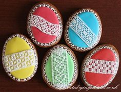 Lace on cookies