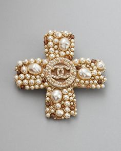 d67a539d1ba I really think a stunning brooch can make an outfit!! Chanel ALWAYS has  beautiful