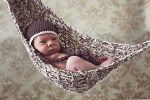 Sweet little hamock that can be used for newborn photos OR to house stuffed animals off the floor by Sarah Benson. I want one of these when we have kids oneday!  so cute :)