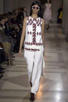 Carolina Herrera Fall 2016 Ready-to-Wear Fashion Show - Bhumika Arora