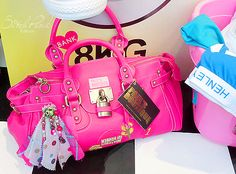 I can do the pretty girl rock. Handbag Accessories, Fashion Accessories, Paul's Boutique, Pretty Girl Rock, Pink Sneakers, Pink Fashion, Hermes Birkin, Girls Best Friend, Things To Buy