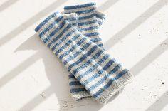 Bisontine Mittens (free pattern) by La Maison Rililie