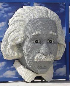 Albert Einstein in Legos