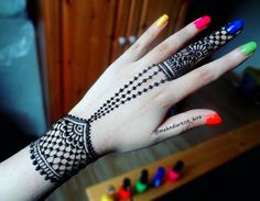 Like the henna but not the nails Small Henna Designs, Pretty Henna Designs, Finger Henna Designs, Mehndi Designs For Girls, Mehndi Designs For Beginners, Stylish Mehndi Designs, Mehndi Designs For Fingers, Beautiful Mehndi Design, Latest Mehndi Designs