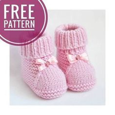 These cute baby booties are the perfect accessories for your baby! Use this newborn baby booties free knitting pattern to make your own now! For the little ones knitting bootees with knitting needles two workshops bootees knitting needles workshops allesf Knitted Baby Boots, Knit Baby Shoes, Crochet Baby Sandals, Knit Baby Booties, Slippers Crochet, Baby Slippers, Hat Crochet, Baby Knitting Patterns, Baby Booties Knitting Pattern