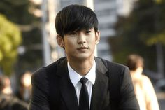 Kim Soo Hyun is a good looking South Korean star, who is well-known for his diverse role in Korean television series and movies. His active participation in acting career started from 2007.