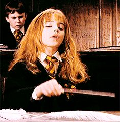 Hermione Granger, Harry Potter Hermione, Hermione Gif, Harry Potter Artwork, Harry Potter Drawings, Harry Potter Theme, Mundo Harry Potter, Harry James Potter, Harry Potter World