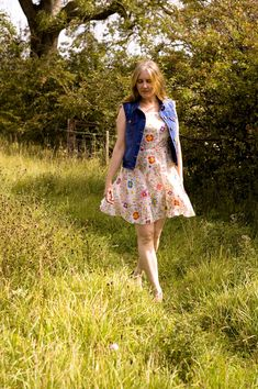 Jane Air Wears Late Summer Flowers, Vintage Dresses, Hipster, Summer Dresses, Mini, Floral, How To Wear, Style, Fashion