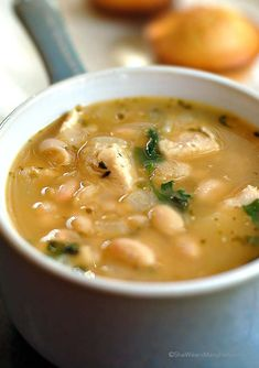 White Bean Chicken Chili Recipe Hearty and full of flavor, this chili is a nice change from the regular tomato based chilis. | shewearsmanyhats.com