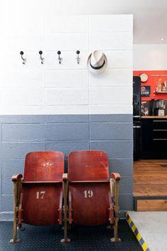 sch ne alte kinost hle kinosessel kinostuhl zweisitzer flur pinterest flure alter und. Black Bedroom Furniture Sets. Home Design Ideas