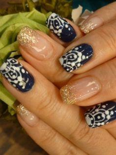 Pretty Holiday 2012 Nail Art Designs