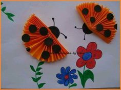 This page includes a lot of folding paper crafts for kıds,preschoolers,kindergarten. folded paper caterpillar craft for kids paper toys for kids paper folding skills how to make origami for kids easy origami: models especially for beginners and kids Paper Crafts For Kids, Easy Crafts, Diy And Crafts, Arts And Crafts, Classroom Crafts, Preschool Crafts, Art N Craft, Diy Art, Caterpillar Craft