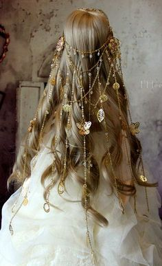 Hair Jewelry Acessories It said it was from game of thrones. But I just like the head piece - BJD accessory / Handmade by me Custom dress design inspire by Vera Wang / Made by PiffyPink Custom Dresses, Mode Inspiration, Wedding Inspiration, Hair Jewelry, Jewellery, Fashion Jewelry, Cartier Jewelry, Bridal Jewelry, Fascinator