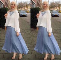 Abaya Style 377035800053346693 - Latest Casual & Party Look Hijab & Blouse Abaya – Girls Hijab Style & Hijab Fashion Ideas Source by zarithaman Hijab Outfit, Hijab Casual, Outfits Casual, Hijab Chic, Hijab Dress, Dress Casual, Hijab Fashion Casual, Women's Casual, Abaya Fashion