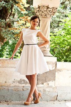Short wedding dress - Simple wedding dress - tea-lenght wedding dress - backless wedding dress - wedding dress - engagement dress Simple Weddings, Gowns, Trending Outfits, Wedding Dresses, Unique, Etsy, Clothes, Vintage, Fashion