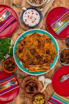 Loobia Polo - Persian Lamb and Green Bean Rice - I got it from my Maman Polo Recipe, Iran Food, Iranian Cuisine, Arabic Food, Arabic Dessert, Arabic Sweets, Food Platters, Middle Eastern Recipes, Green Beans