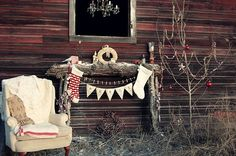DIY pallet / wood side table / faux fireplace. From sassysites.blogspot.nl