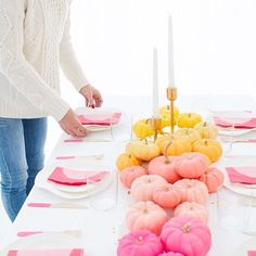 Bright Thanksgiving Table | Modern Thanksgiving Table