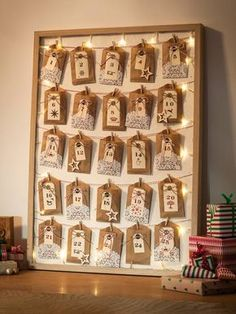 Make a Christmas Advent calendar - also one made from Tiny Socks Is there anything more exciting than the countdown to 25 December? A homemade Christmas Advent calendar will make this year even more special Homemade Advent Calendars, Advent Calendars For Kids, Advent Calendar Fillers, Ramadan Decorations, Christmas Decorations, Christmas Tables, Advent Calander, Diy Calendar, Calendar Design