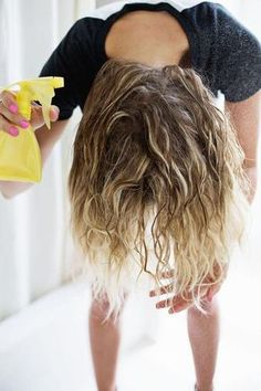 """How to Get Awesome Festival Hair """"awesome festival hair"""" wonder if this diy scrunching spray will work on my hair — a beautiful mess Hair A, New Hair, Your Hair, Messy Hairstyles, Pretty Hairstyles, Scrunched Hairstyles, Curly Hair Styles, Natural Hair Styles, Hair Hacks"""