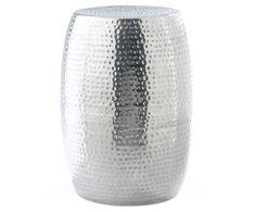 Machen Sie Ihr Wohnzimmer mit Hocker Kabir in Silber zur Wohlfühloase. Entdecken Sie weitere Möbel von Jill&Jim Designs auf >> WestwingNow.