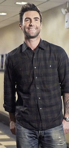(adam levine,model,singer,artist,famous,sexy,tattoos,boy,man,hot)