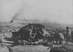 Romanian gunners firing anti-tank gun PaK during combat in the Crimea. Date unknown - pin by Paolo Marzioli Luftwaffe, Eastern Front Ww2, Battle Of Stalingrad, Central And Eastern Europe, Military Weapons, Special Forces, Military History, World War Ii, First World