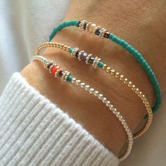 The sterling silver bracelets have been extremely popular amongst females. These bracelets are available in different shapes, sizes and styles. Seed Bead Bracelets, Seed Bead Jewelry, Beaded Jewelry, Jewelry Bracelets, Jewelery, Ankle Bracelets, Do It Yourself Jewelry, Homemade Jewelry, Handmade Bracelets