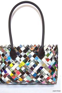 ae778b070dd00 Taschen selber machen aus Zeitschriften (Candy Wrapper Bag)
