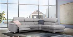 A Williams ülőgarnitúra modern fantáziák gyermeke. A legmagasabb színvonalú kialakítás jellemzi, a metál lábak és a karfa találkozása egyedülálló élvezeti élményt biztosít. A Williams ülőgarnitúrát alacsony, párnázott karfa, mély és széles ülés és mechanikusan 8 pozícióba állítható fejtámla jellemzi. Modern, letisztult formavezetéssel rendelkezik, ugyanakkor kiváló kényelmet biztosít. A modell rendelhető elektromos relax funkcióval is. Sofa, Couch, Furniture, Home Decor, Settee, Settee, Decoration Home, Room Decor, Sofas