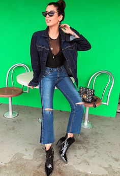 Camila Coutinho - body-jaqueta-jeans-calca-bota - transparência - inverno - street style